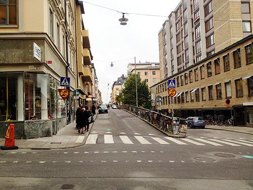 Nu får du cykla in på S:t Paulsgatan från Götgatan. Klicka för större bild. Foto: Jens Johansson.