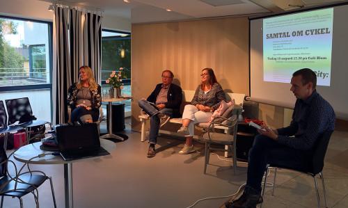 Anna Niska, Mats Freij och Pye Seaton. Moderator var Pelle Envall, koordinator för CyCity