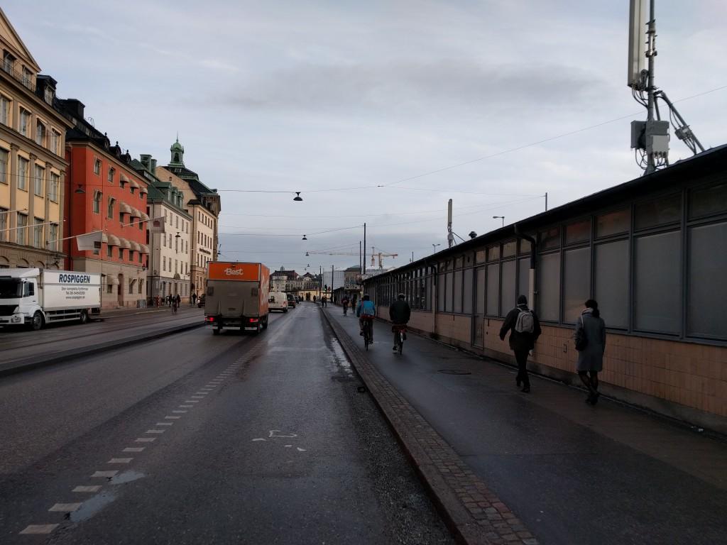 Skeppsbrons nya cykelfält