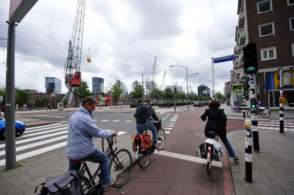 När svenska trafikplanerare plankar nederländska cykelvägar