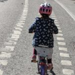 Svenska staten uppmanar folk att cykla istället för att ta bilen. Men.